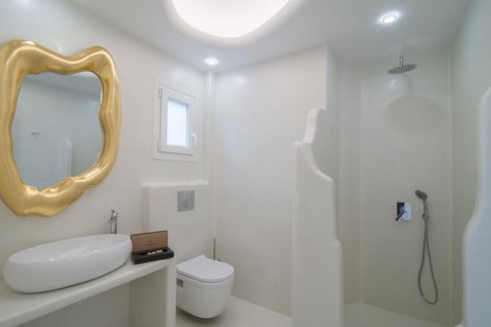 Villa Luana offers 3 bathrooms